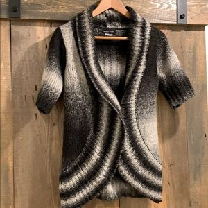 Urban Outfitters sweater cardigan size Small
